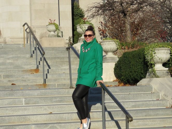 green, jacket, coat, fashion blogger, sarah in style, pop of color