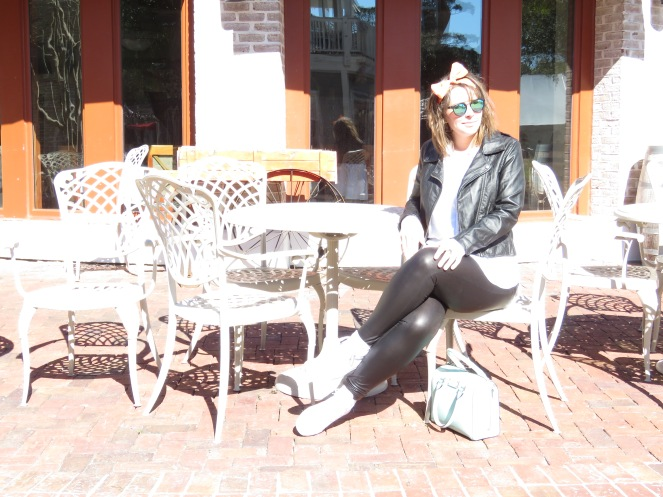 bows, leather, sarahinstyle.com, sarah in style, fashion blogger, chicago blogger, sandestin