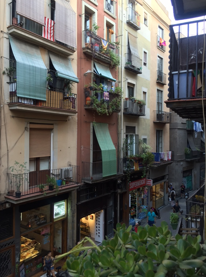 el born, barcelona, spain, park guell, sagrada familia, el born, el nacional, sarah in style, travel blogger, european adventure, windy city bloggers