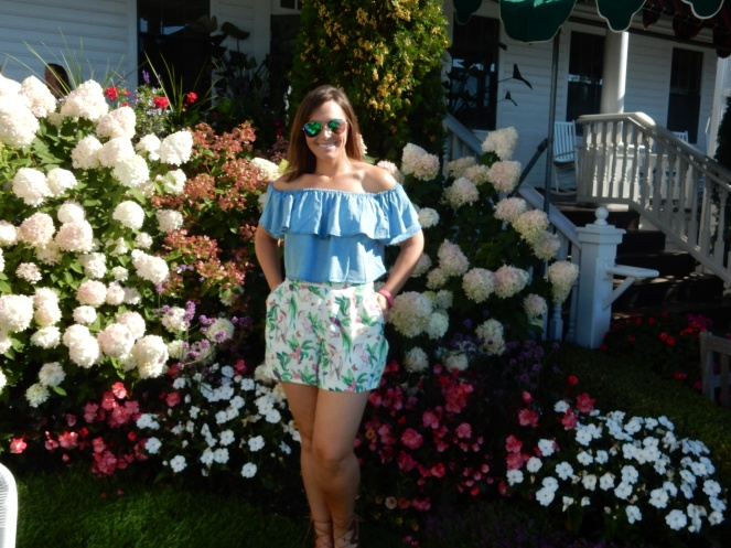 ruffled top, perfect summer outfit, sarah in style, pure michigan, sarahinstyle.com, fashion blogger, chicago blogger, windy city bloggers, mackinac island