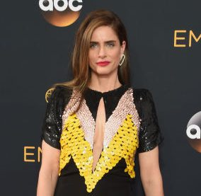 Amanda Peet, emmy awards 2016, emmy awards, red carpet fashion, red carpet, sarahinstyle.com, sarah in style, fashion blogger, chicago blogger, fashion police, sophie turner