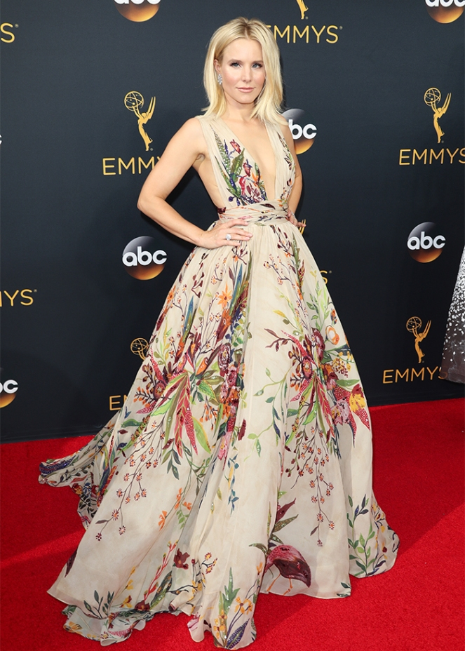 krisen bell, zuhair murad, emmy awards 2016, emmy awards, red carpet fashion, red carpet, sarahinstyle.com, sarah in style, fashion blogger, chicago blogger, fashion police, sophie turner