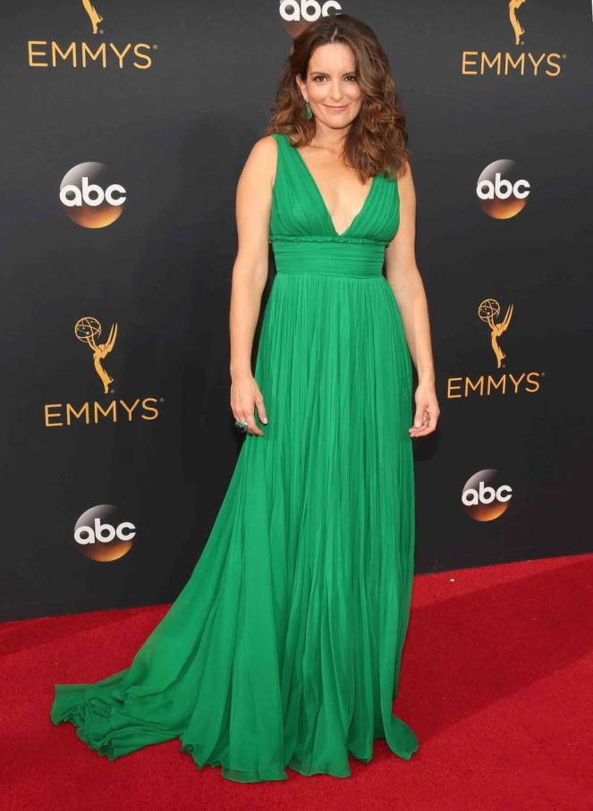 tina fey, oscar de la renta, emmy awards 2016, emmy awards, red carpet fashion, red carpet, sarahinstyle.com, sarah in style, fashion blogger, chicago blogger, fashion police, sophie turner