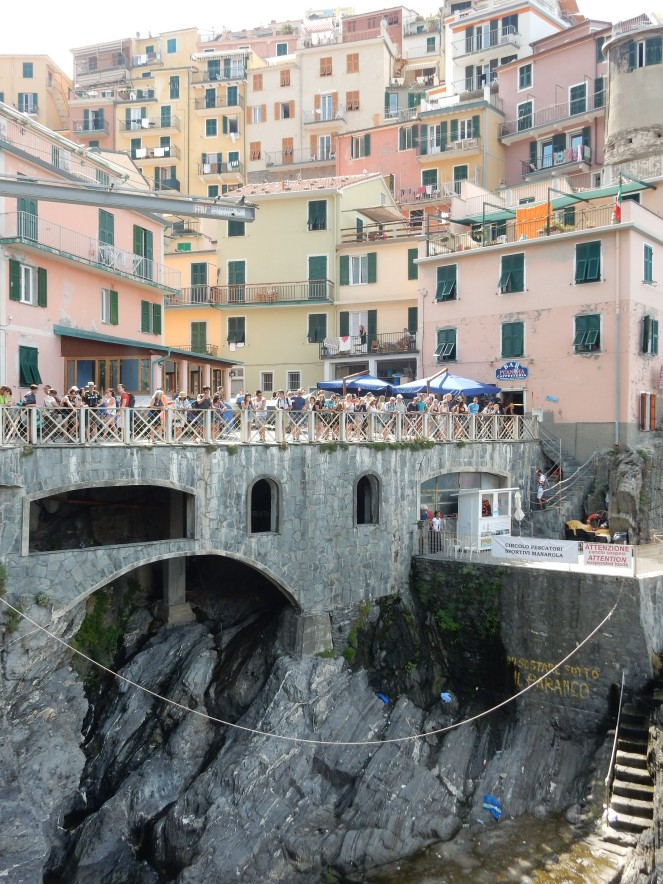 Chicago Blogger, Windy City Bloggers, Cinque Terre, Italy, Manarola, Vernazza, Monterosso, italian riviera, norwegian cruise, Mediterranean cruise,  sarah in style, sarahinstyle.com, travel blogger, what to see in italy, italian must see