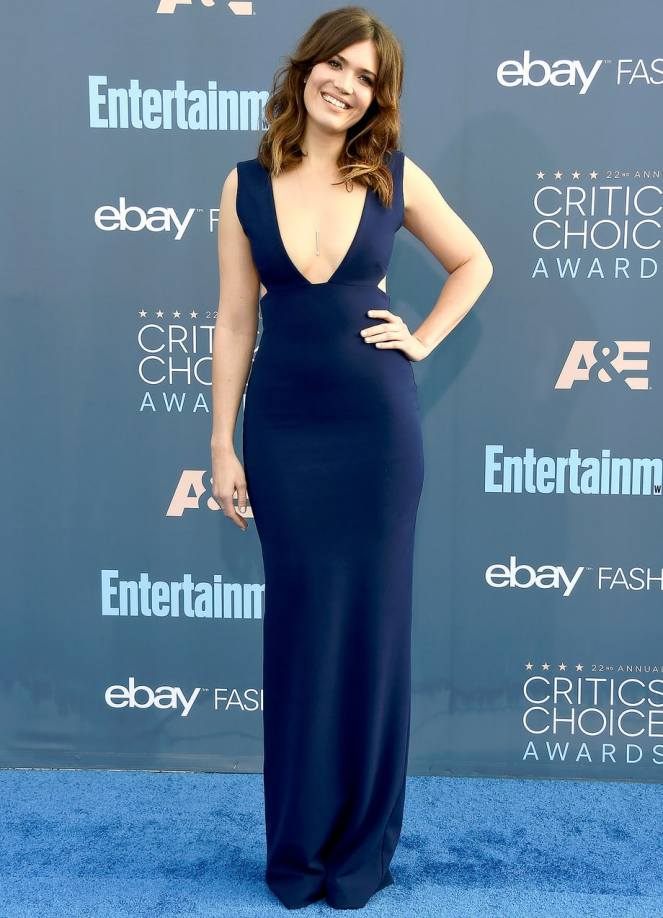 Critics Choice Awards 2016, sarah in style, sarahinstyle.com, sarah meyer, red carpet, red carpet fashion, celebrity fashion mandy moore, hailee steinfeld, lily collins, Viola Davis, Allison Williams, CCA 2016, critics choice awards red carpet, fashion blogger, wcbcstyle, chicago blogger, fashion addict, best dressed, best dressed celebs