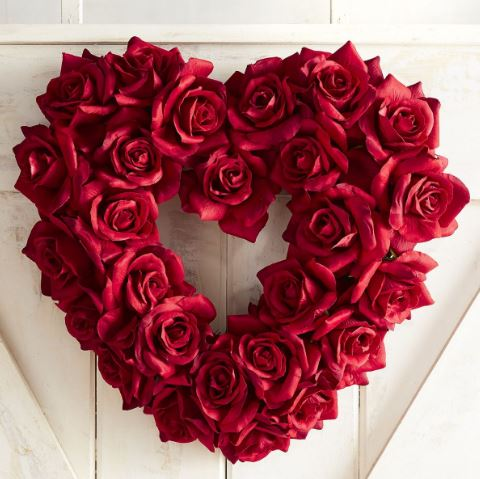 Valentine's Day Wreaths, valentine's day, wreaths, love wreaths, be mine, valentine's, valentines, Sarah In Style, sarahinstyle.com, Sarah Meyer, lifestyle blogger, home decor, home decorating, wreaths, February 14