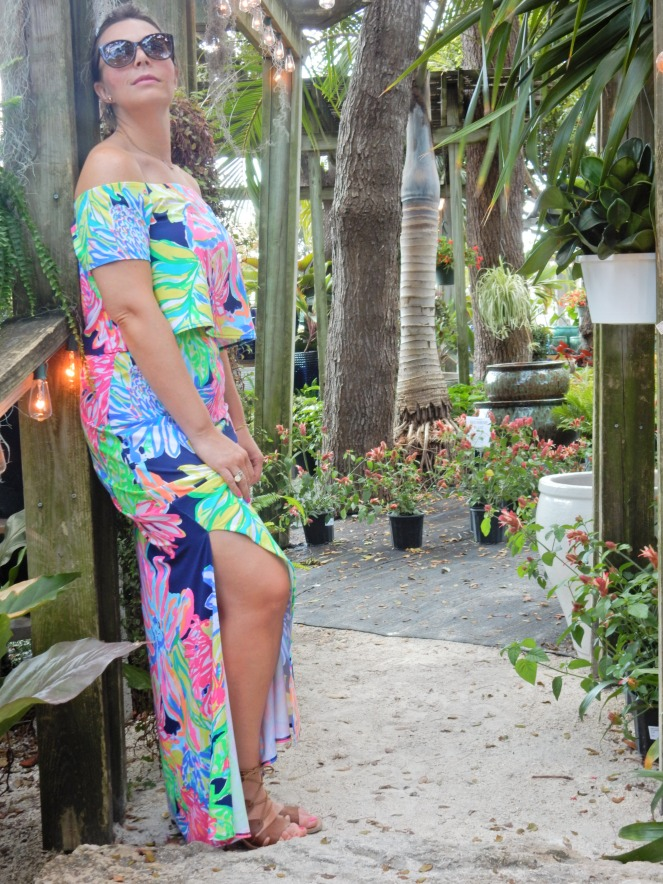 www.lillypulitzer.com, Lilly Pulitzer, Travelers Palm, Resort Navy Travelers Palm, MANSI CROP TOP & MAXI SKIRT SET, Lilly Pulitzer crop top, Lilly Pulitzer skirt, Sarah In Style, sarahinstyle.com, Sarah Meyer, Islamorada, Island Home, Florida Keys, Tropical style, vacation style, vacation fashion, summer style, #wcbcstyle, Chicago blogger, fashion blogger, windy city bloggers