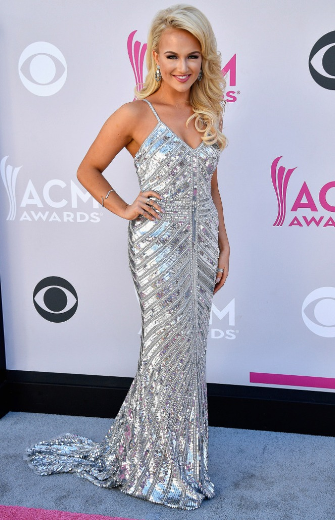 ACM's, ACM, academy of country music, academy of country music awards, country music awards, country music, red carpet, red carpet style, celebrity style, Sarah In STyle, Sarahinstyle.com, Las Vegas Awards Show, Pink Carpet, Miss AMerica, Savvy Shields