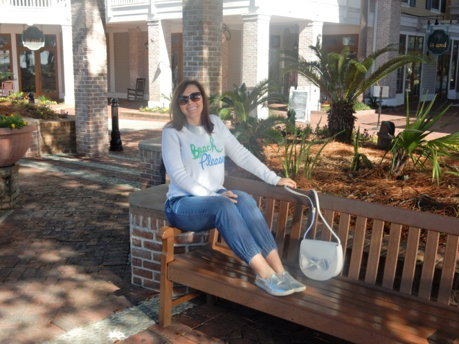 Kate Spade, Loft, J. Crew, Bow Purse, Destin, Destin FL, Destin Florida, Florida, vacation, vacation ideas, panhandle, emerald coast, sarah in style, sarahinstyle.com, Sarah Meyer, travel blog, travel blogger, vacation tips, Windy City Bloggers, Chicago blogger, on the blog, birkenstocks, sandestin, miramar beach