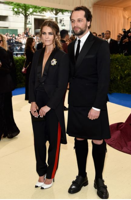 Met Gala, Keri Russell in Rag & Bone and David Webb jewelry and Matthew Rhys