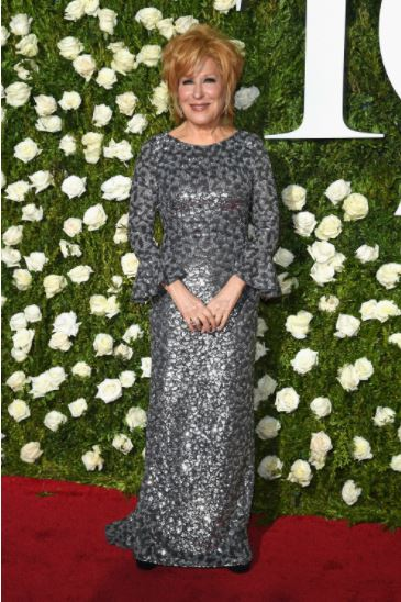 Better Midler, Sara Bareilles, Naeem Khan, Tony Awards, Red Carpet, Star Style, Evening Looks, celebrity fashion, Michael Kors Collection, Scarlett Johnasson, Allison Janney, Sarah Paulson, Broadway, Theater, Neon Lights, Great White Way