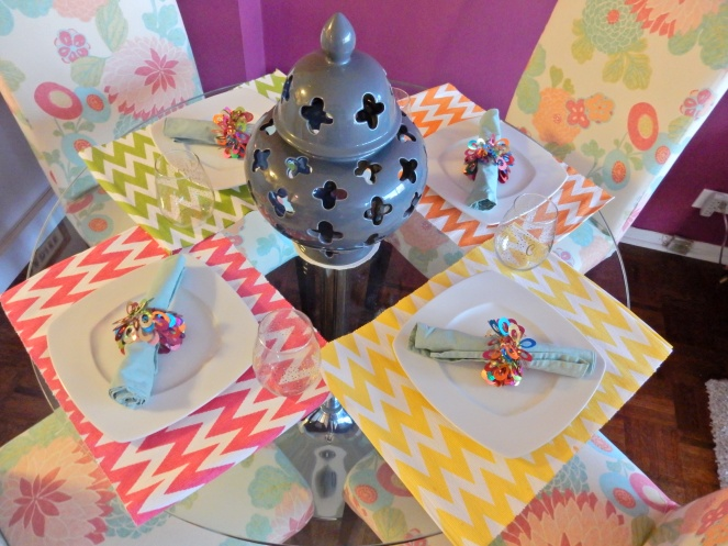 multi colored chevron placemats, multi colored zigzag placemats, Dining Decor, Table Decor, Table Decorations, Table Settings, Decorating, Home Decor, Linens, Sarah In Style, Sarah Meyer, sarahinstyle.com, design blogger, decorating blog, Chicago design, pier one, Thibaut, Dania, Crate & Barrell