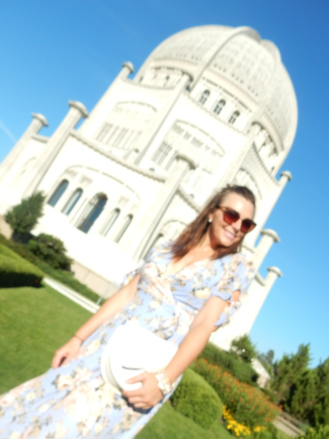Francescas blue ruffle dress, blue floral dress, Kate Spade, white bow bag, Bahai Temple, North Shore, Flowery Dress, ladylike dress, Sarah In Style, Wilmette, Chicago fashion, fashion blogger, Sarah In Style, Sarah Meyer, Bahai, House of Worship
