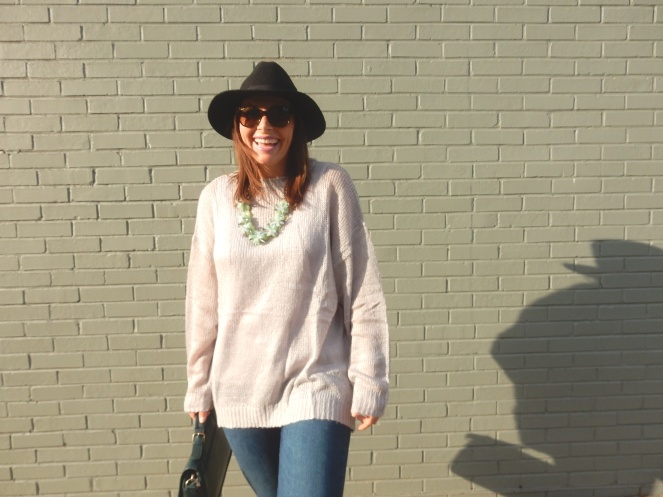 Harrisonburg, Virginia, what to do in Harrisonburg VA, fall sweaters, the perfect fall sweater, cozy sweaters, cozy sweater, cozy, grey sweater, oversize grey sweater, tobi, tobi.com, tobi grey sweater, Maui Jim, Black hat, Green satchel, fall fashion, what to wear this fall. Sarah Meyer, sarahinstyle.com, sarah in style, fashion blogger, fashion blog, style tips