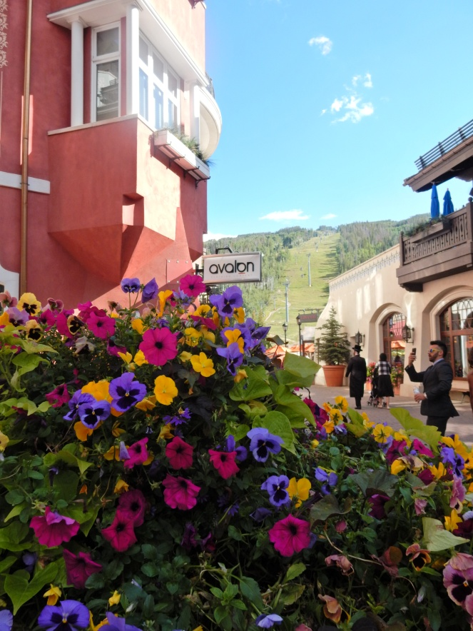 what to do in Colorado, visit colorado, sarahinstyle.com, sarah meyer. travel blog. Glenwood springs, hot springs, Vail, Vail Mountain, Vail Village, colorado, colorado hiking, Boulder, Denver, colorado amusement parks, mountain amusement park,