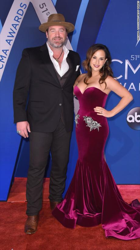 Lee Brice, Sara Reevely, Best Dressed Couple, Bridgestone Arena , Nasheville, Country Music, Red Carpet, Best Dressed, Celebrity Fashion, Celebrity Style, CMA, CMA's, Country Music Awards, Country fashion, red white and blue, glitz and glam, Sarah In Style, sarahinstyle.com, countrys biggest night