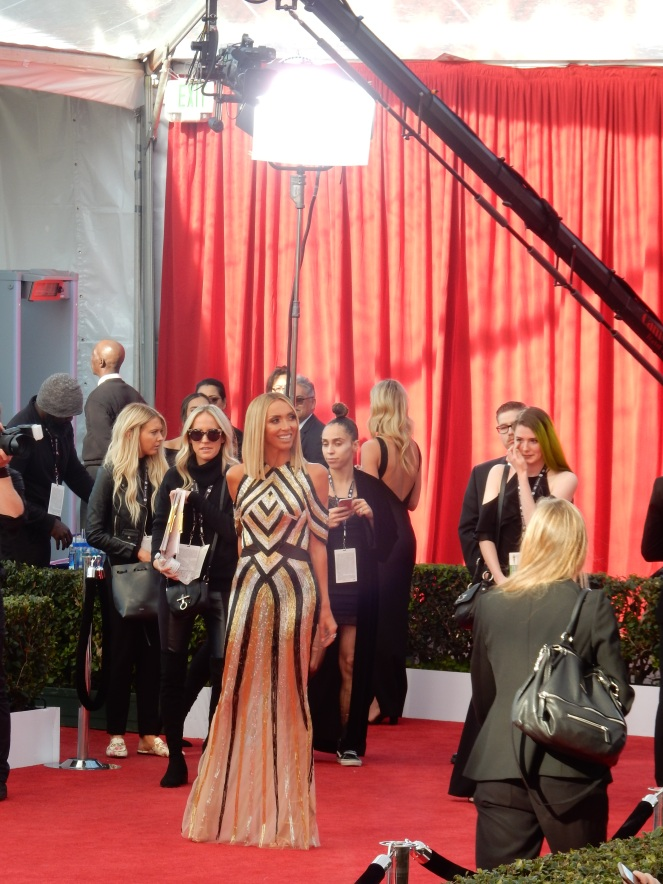 Giuliana Rancic, fashion blogger, style blogger, sarah in style, Sarah Meyer, SAG Awards, Screen Actors Guild, SAG Red Carpet, SAG Afterparty, SAG red carpet experience, SAG bleachers, Awards season, celebrity fashion, best dressed, E red carpet, People style, best of the SAG Awards