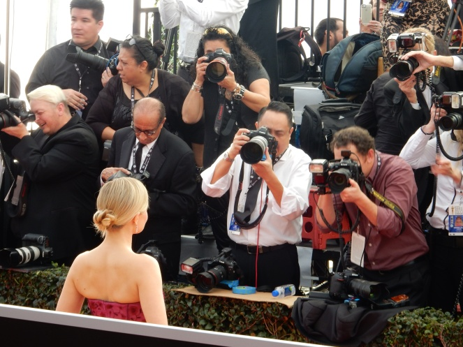 Kristen BEll, fashion blogger, style blogger, sarah in style, Sarah Meyer, SAG Awards, Screen Actors Guild, SAG Red Carpet, SAG Afterparty, SAG red carpet experience, SAG bleachers, Awards season, celebrity fashion, best dressed, E red carpet, People style, best of the SAG Awards