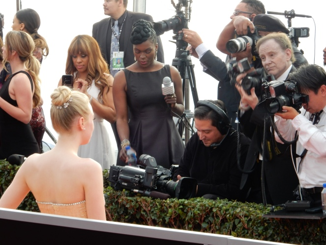 Dakota Fanning, fashion blogger, style blogger, sarah in style, Sarah Meyer, SAG Awards, Screen Actors Guild, SAG Red Carpet, SAG Afterparty, SAG red carpet experience, SAG bleachers, Awards season, celebrity fashion, best dressed, E red carpet, People style, best of the SAG Awards
