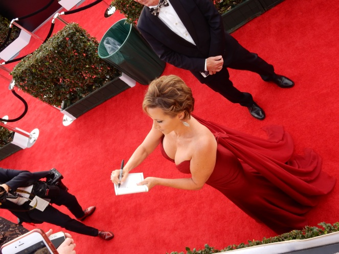 Gabrielle Carteris, fashion blogger, style blogger, sarah in style, Sarah Meyer, SAG Awards, Screen Actors Guild, SAG Red Carpet, SAG Afterparty, SAG red carpet experience, SAG bleachers, Awards season, celebrity fashion, best dressed, E red carpet, People style, best of the SAG Awards