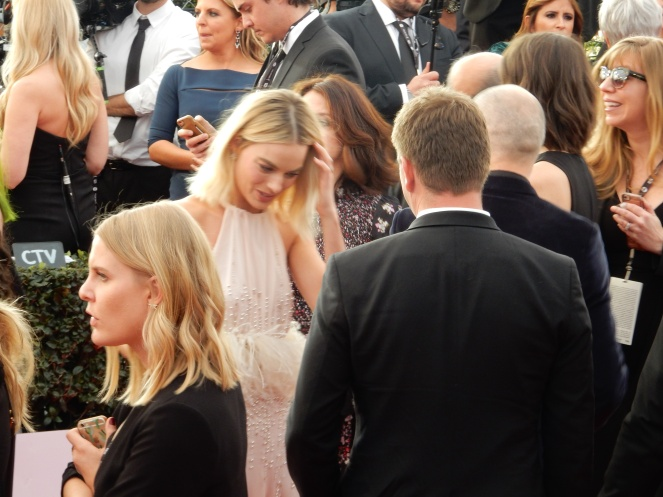 Margot Robbie, fashion blogger, style blogger, sarah in style, Sarah Meyer, SAG Awards, Screen Actors Guild, SAG Red Carpet, SAG Afterparty, SAG red carpet experience, SAG bleachers, Awards season, celebrity fashion, best dressed, E red carpet, People style, best of the SAG Awards