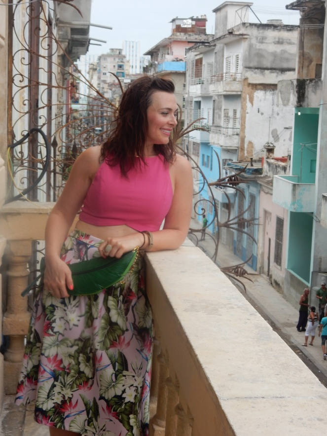 Pink Palm Skirt, Palm Leaf skirts, plam leaf purse, Havana, Cuba, how to dress in cuba, summer style, La Guarida, tropical fashion, sarah in style, sarah meyer, neoprene skirt, tropical style, fashion blogger, travel blogger
