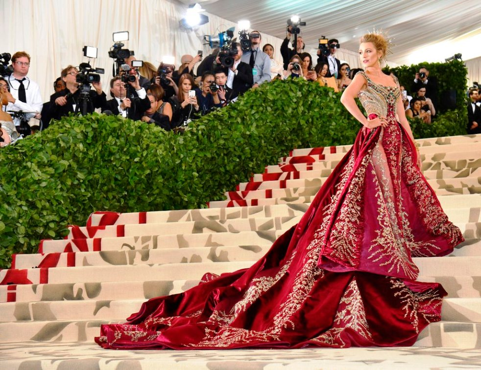 Met Gala, Heavenly Bodies, Fashion and the Catholic Imagination, The Met, red carpet fashion, celebrity fashion, fashion's biggest night, Versace, Met Gala 2018, oscars of fashion, ariana grande, zendaya, sarah jessica parkers, best head pieces, halos, Amber heard, headdresses, Blake Lively, Gigi Hadid, Mindy Kaling, Madonna, rihanna, catholic fashion, lily collins