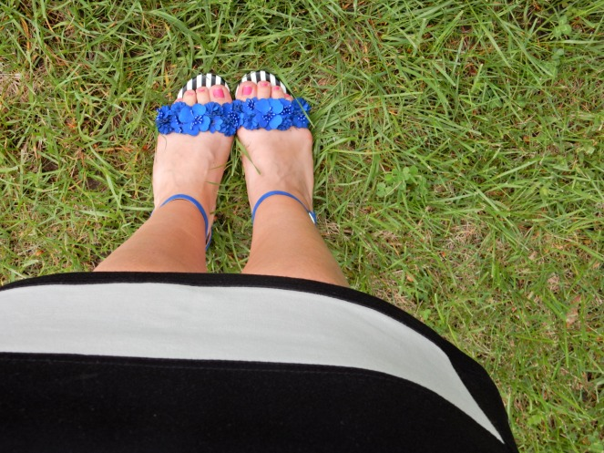 no more monday blues, beat monday blues, make monday better, blue shoes, soft surroundings blue shoes, soft surroundings shoes, black and white striped outfits, black and white striped dress, blue shoes with flowers, what to wear this summer, summer style, Sarah Meyer, sarah in style, positive outlook on the week, George strait advice