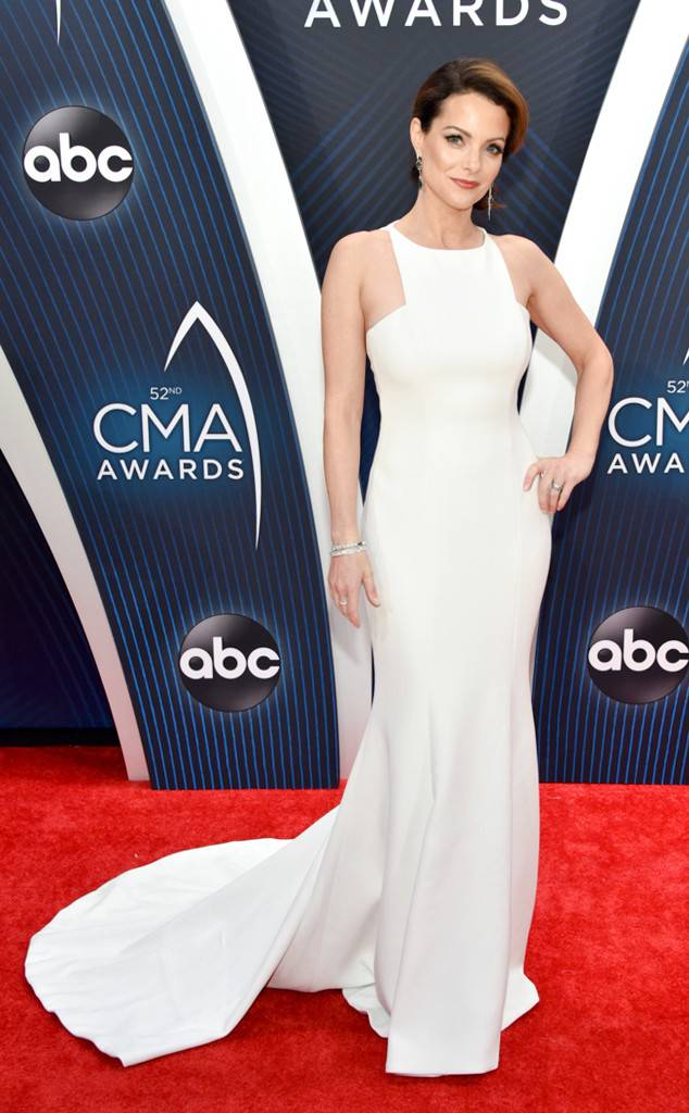 Red Carpet, Best Dressed, Celebrity Style, What they wore, Red Carpet fashion, Sarah In Style, Sarah Meyer, CMA's, CMA, Country Music Awards, Country Music Style, Country Singers Fashion