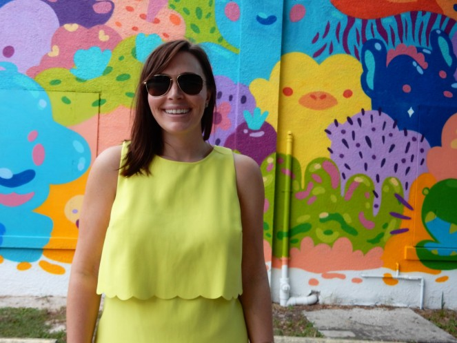 lime green scallop hem dress, aquarium mural, Tampa art, Tampa murals, Murals, Mural Art, St. Petersburg Murals, St. Pete Murals. St. Pete art, Florida art, street art. Sarah In Style, Sarah Meyer, St. Petersburg Florida, unique vacation ideas, vacation like a local, soft surroundings, pink sandals, lime green dress, tassel sandals