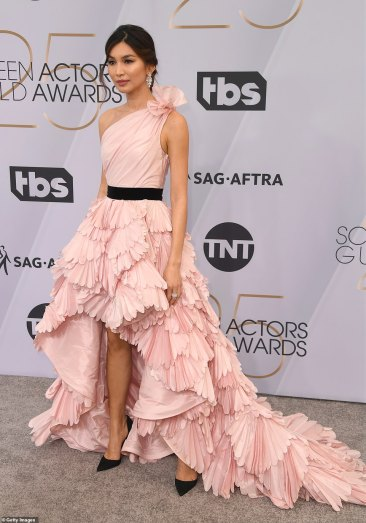 Gemma Chan, SAG AWARDS, SAG Awards Best Dressed, Screen Actors Guild, Screen Actors Guild Awards, Best Dressed 2019, Red Carpet, Red Carpet Fashion, Celebrity Best Dressed, Celebrity Fashion, Awards Season, What they Wore, On the red carpet, Celebrity style, Sarah In Style, Sarah Meyer, Celebrity looks, awards show fashion
