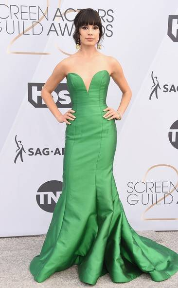 Jenna Lyng Adams, SAG AWARDS, SAG Awards Best Dressed, Screen Actors Guild, Screen Actors Guild Awards, Best Dressed 2019, Red Carpet, Red Carpet Fashion, Celebrity Best Dressed, Celebrity Fashion, Awards Season, What they Wore, On the red carpet, Celebrity style, Sarah In Style, Sarah Meyer, Celebrity looks, awards show fashion