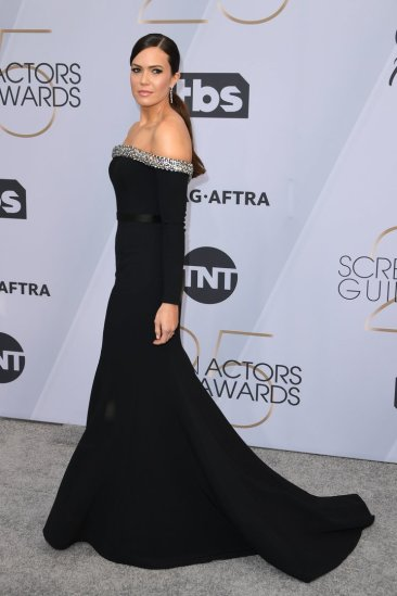 Mandy Moore,, SAG AWARDS, SAG Awards Best Dressed, Screen Actors Guild, Screen Actors Guild Awards, Best Dressed 2019, Red Carpet, Red Carpet Fashion, Celebrity Best Dressed, Celebrity Fashion, Awards Season, What they Wore, On the red carpet, Celebrity style, Sarah In Style, Sarah Meyer, Celebrity looks, awards show fashion
