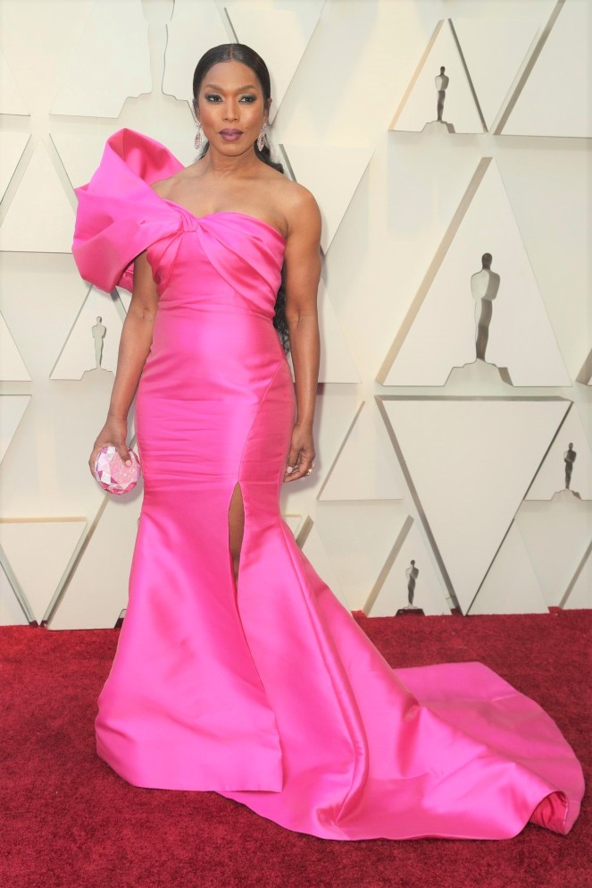 Angela Bassett, Reem Acra,, 91st Academy Awards, Dolby Theater Hollywood, Oscars 2019, Academy Awards, Red Carpet, Oscars Red Carpet 2019, Best Dressed, Celebrity Fashion, On the red carpet, celebrity style, red carpet jewelry, most expensive jewelry at the oscars, most expensive jewelry at the academy awards, awards season best looks, Sarah In Style, Sarah Meyer, Kodak Theater, Roosevelt Hotel Los Angeles