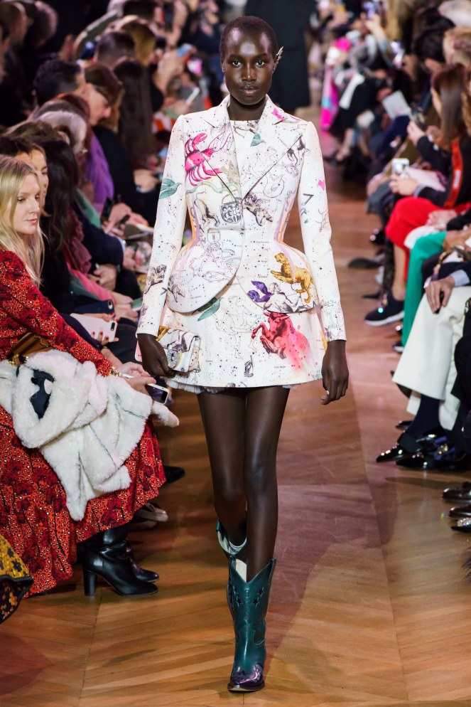 Schiaparelli, Elsa Schiaparelli, Fall 2019 Fashions, Ready to wear, Spring 2019 Fashions, London Fashion Week, Fashion Week, Best Designers, Designers to Watch, Who to Wear, Funky Fashions, Designers Guild, Fashion Designers, Top Fashion Designers, NYFW, New York Fashion Week, Sarah Meyer, Sarah In Style
