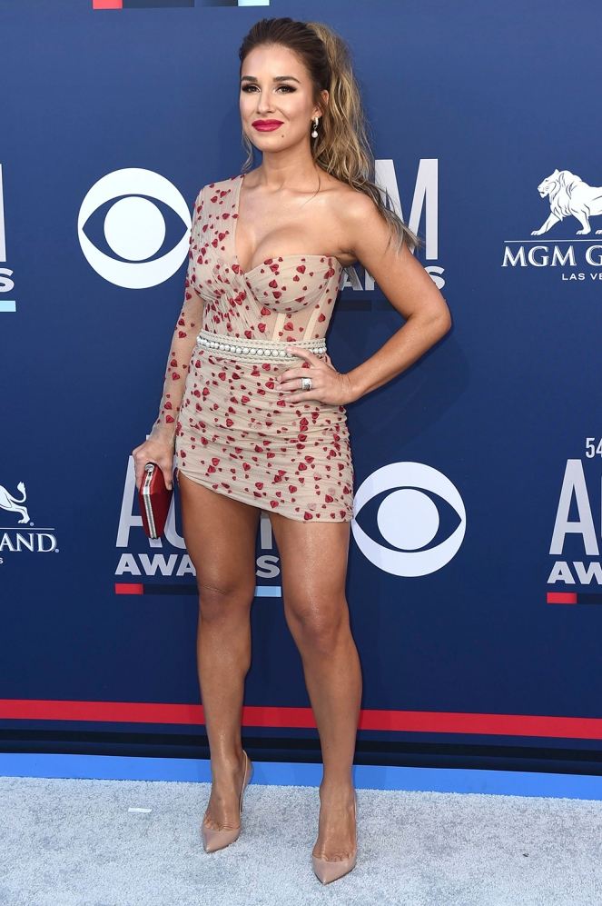 ACM's 2019, Academy of Country Music Awards, Red Carpet 2019, Celebrity Fashion, Best Dressed, COuntry's Best Dressed, Country Fashion Stars, Miranda Lambert, Maddie & Tae, Lauren Alaina, Kacey Musgraves, Jessie James Decker, Hot Men of Country, awards season fashion, Sarah In Style, Sarah Meyer