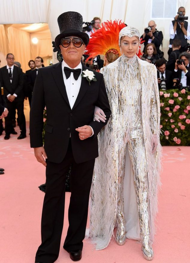 Met Gala 2019, Met Gala, Campe Notes of Fashion, Met Gala Fashion Exhibit, NYC Costume Institute, Red Carpet Fashion, Pink Carpet, Celebrity Fashion, Sarah In Style, Sarah Meyer, Walk the Runway, Who wore it best, Red Carpet Trends, Designer Fashion, Camp Fashion, Anna Wintour, Gucci