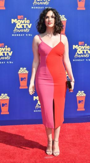 2019 MTV Movie Awards, MTV Movie Awards Red Carpet, MTV Movie Awards 2019, MTV Red Carpet, MTV celebs. MTV fashion, funky fashion, best dressed, red carpet, celebrity style, Sarah In Style, Cool fashion, trendy looks, Aubrey Plaza, Elisabeth Moss, Melissa Mccarthy, Jada Pinkett Smith, Tiffany Haddish, Kate Speigel, Zachary Levi, Keirnan Shipka. MJ Rodriguez. Popcorn statue