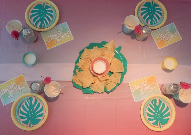 Target dollar spot, Dining Decor, Table Decor, Design Inspiration, Party Inspiration, Summer Party, Summer Bash, Basic Invite, Invitation Design, Where to get nice invites, Christmas in July, Planning ahead for Christmas, Beach table, Sarah In Style, Sarah Meyer, DIY Table