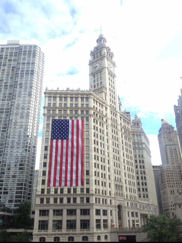 Wrigley Building, Downtown Chicago, AMerican Flag, Labor Day, Beach Picnic, Red White and Blue, Labor Day Cookout, SArah In Style, Sarah Meyer