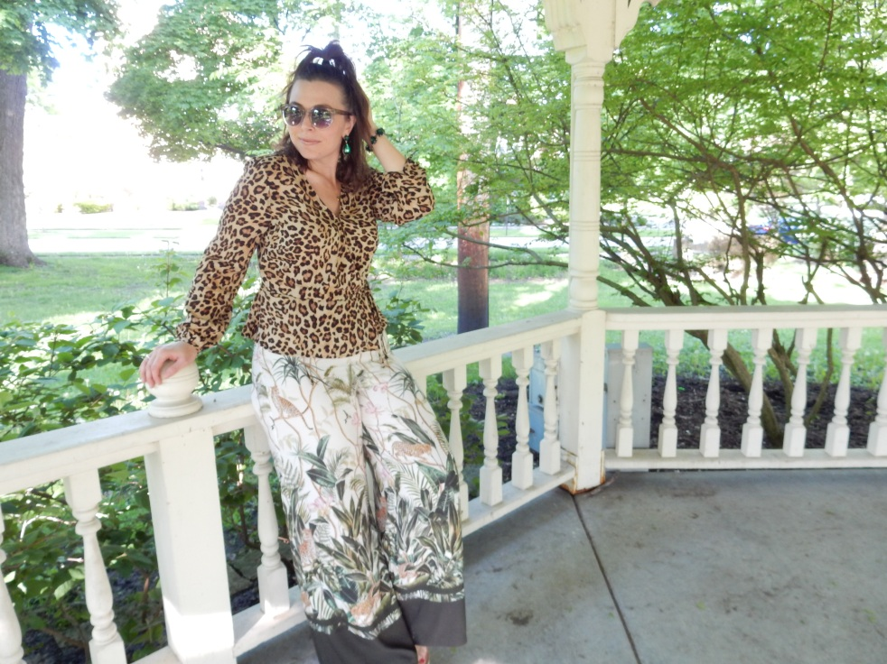 layered in leopard, leopard pieces, leopard fashion, animal print style, how to wear leopard, how to style leopard, Sarah Meyer, Sarah In Style, sarahinstyle.com, animal print fashion accessories, styling tips, fashion dos and don'ts, bold prints, sara happ, leopard chic, fashion styling tips
