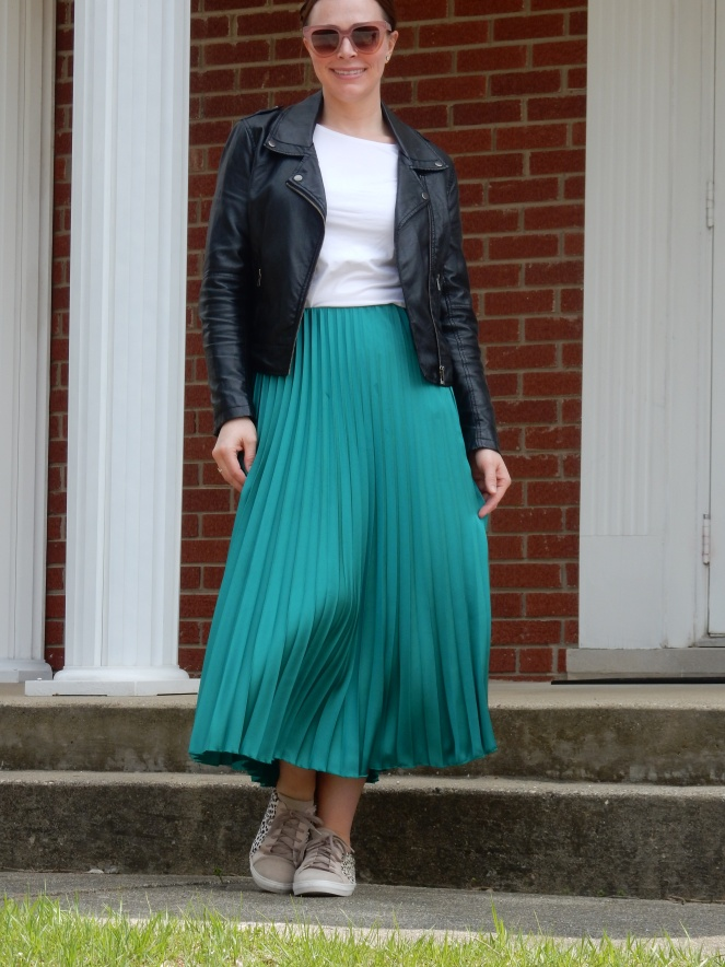 emerald green, pleated skirt, compleat in emerald, jewel tone fashion, jewel tone skirts, Bomber jacket, leopard sneakers, soft surroundings sneakers, cropped sweater, Chicago fashion 2020, fashion trends 2020, spring fashion trends, spring fashion 2020, spring must have clothing, midi skirt, midi skirts, midi-skirt, best skirts for spring, cute midi skirts, cute skirts, classic fashion pieces, versatile clothing, styling tips, transitional clothing, flattering skirts, flattering bottoms, fashion blogger style tips, what to wear, who what wear, What I wore, Sarah Meyer, Sarah In Style, leopard midi skirt, sneakers and skirts, francesca's sunglasses