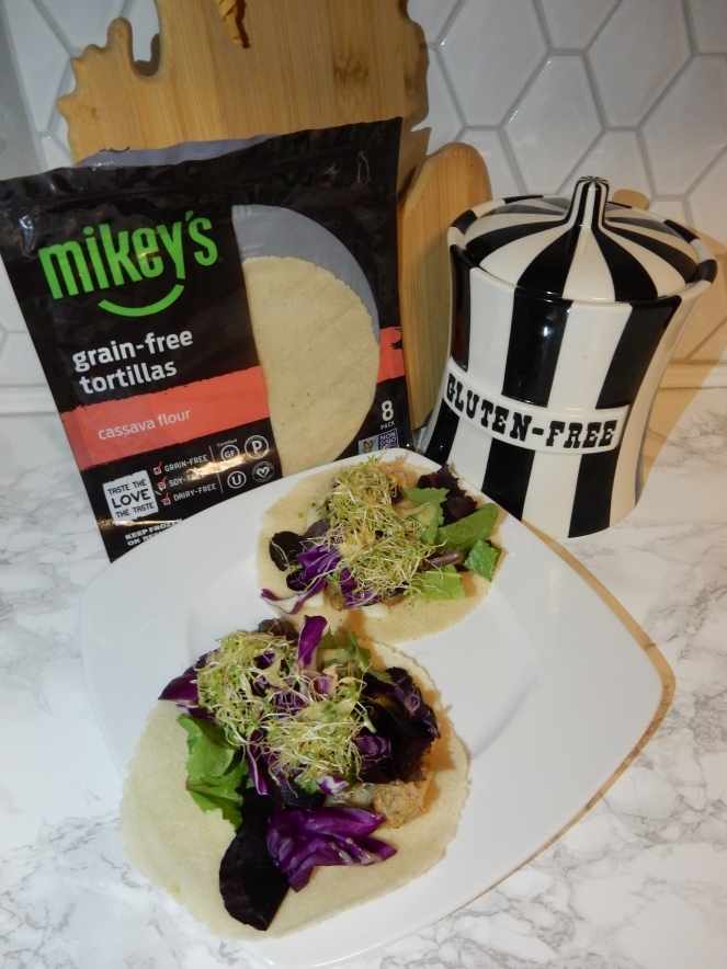 gluten free tortilla's, best gluten free products, grain free tortilla's, best grain free products, Mikey's tortillas, Eat Mikey's, gluten free pizza, gluten free pizza pockets, gluten free recipes, grain free recipes, grain free tacos, gluten free tacos, health food blogger, eat  healthy in 2021, Sarah In Style, Sarah Meyer, chicago food blogger, how to eat gluten free, how to eat grain free, #makeitmikeys, #eatmikeys