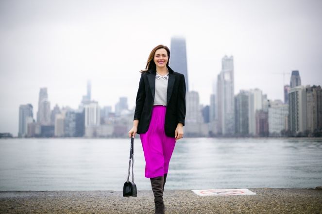 Sarah In Style, SarahInStyle.com, Sarah Meyer, Chicago Fashion Blogger, Fashion Blogger Tips, Chicago Skyline, Chicago Photographers, Jeremy Glickstein Photography, Chicago Fashion Photographers, Jeremy Glickstein, Pink Pleated Skirt, Vintage Tuxedo Jacket, 1 Look 3 Ways, Fashion Day to Night, Fashion Handbook, Stylists Handbook, Shop your closet, Dressing from day to night, pop of color, green velvet headband, shortylove, perfect work bags