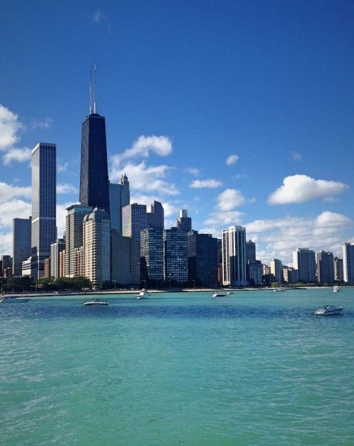 Summer in Chicago, What to Do in Chicago with Kids, Best Things to do with Kids in Chicago, Best Activities for kids in Chicago, Must see Chicago for kids, Maggie daley Park, Jay Pritzker Pavilion, Millennium Park, The Bean Chicago, Crown Fountain, London House Chicago, Skydeck Chicago, Signature Room Chicago, Exploring Chicago with Kids, American Girl Cafe Chicago, Water Tower Mall Chicago, Lincoln Park Zoo tips, tips for kids in Chicago, Shedd Aquarium, Chicago History Museum, Museum of Science and Industry, Oak Street Beach Chicago, Choose CHicago, VIsit Chicago, Sarah In Style, Chicago Blogger, Chicago Must See Attractions, Chicago Blogs, Chicago Blogger Tips